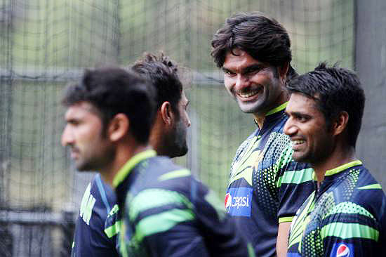 Pakistan players Wahab Riaz, Mohammad Irfan and Rahat Ali during the practice session at the Adelaide Oval