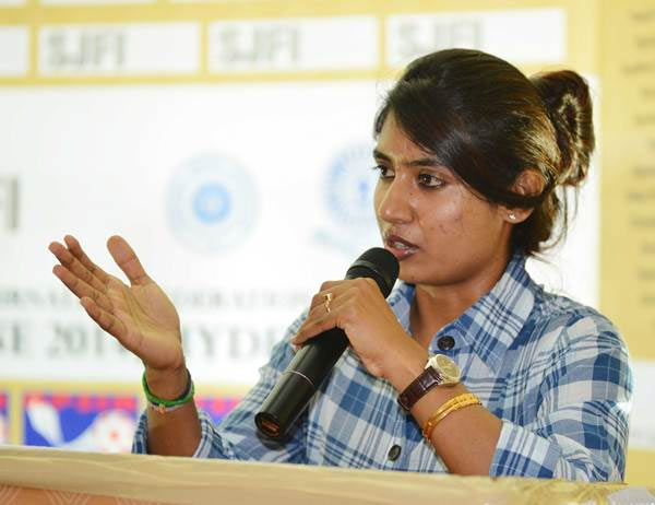 Mithali Raj addresses the Sports Journalists' Federation of India's 37th annual convention in Hyderabad