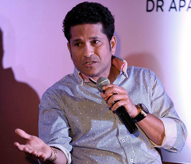 It's okay for men to cry: Tendulkar
