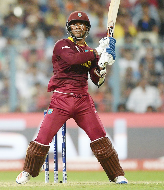 Delhi Daredevils sign Samuels to replace injured de Kock