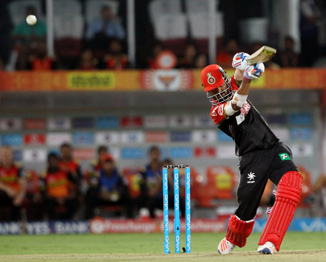 Is this player's absence one of the reasons for RCB's flop show?