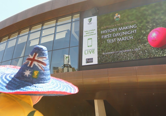Australia to pursue day-night Ashes Test