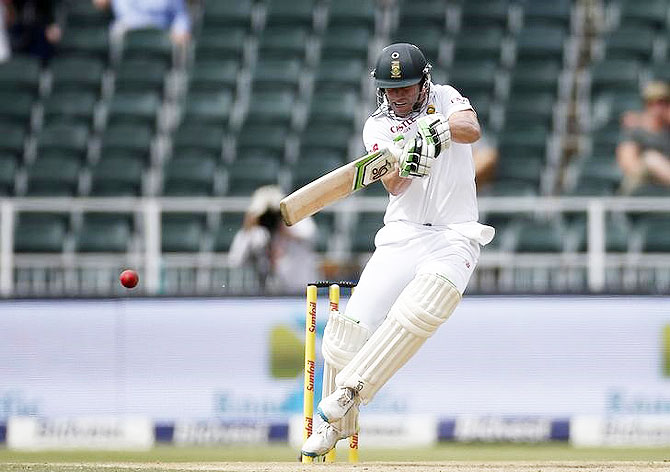 South Africa's AB de Villiers plays a shot during the third cricket Test match against England in Johannesburg