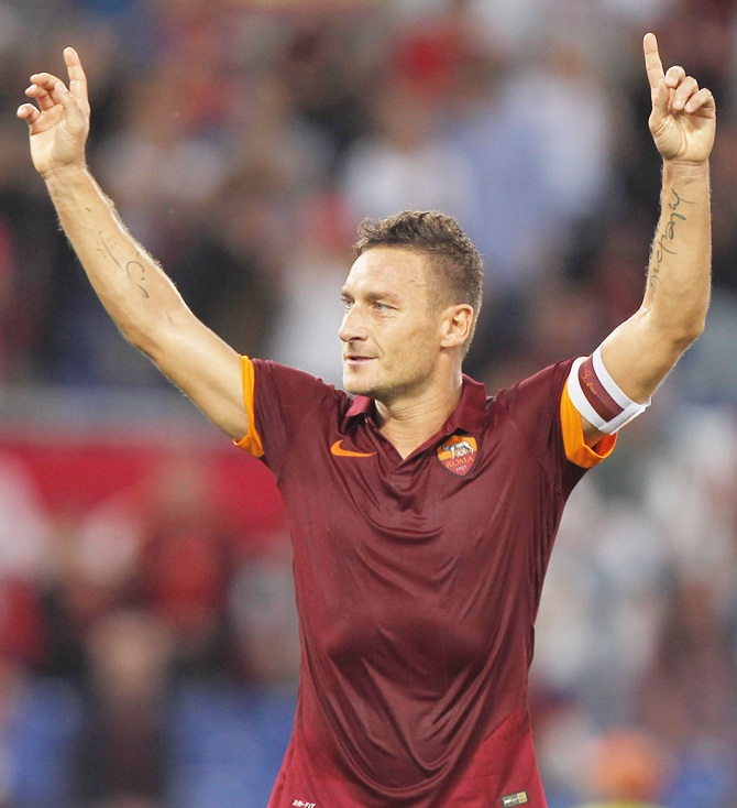 Rediff Sports - Cricket, Indian hockey, Tennis, Football, Chess, Golf - Sports Shorts: Totti declines to confirm retirement at end of season