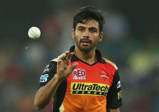 Sran attributes recent success to action tweak, IPL - Rediff Cricket