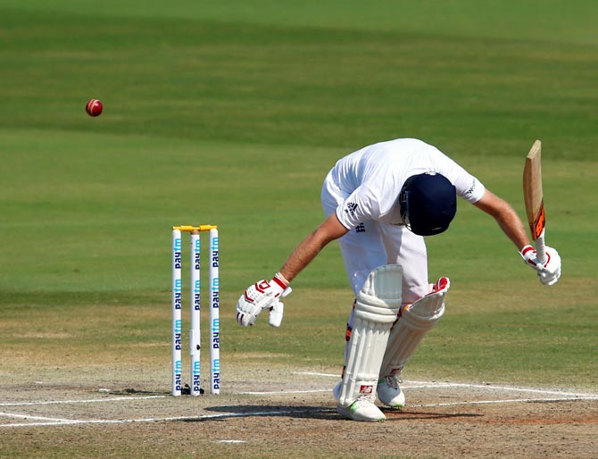 Joe Root is dismissed leg before wicket by Mohammed Shami
