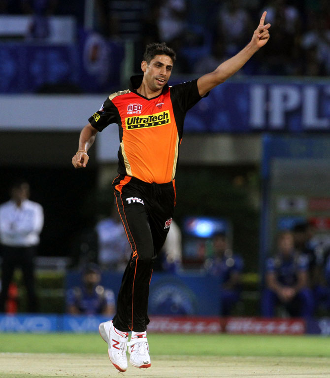 What keeps veteran Nehra going despite 10 surgeries