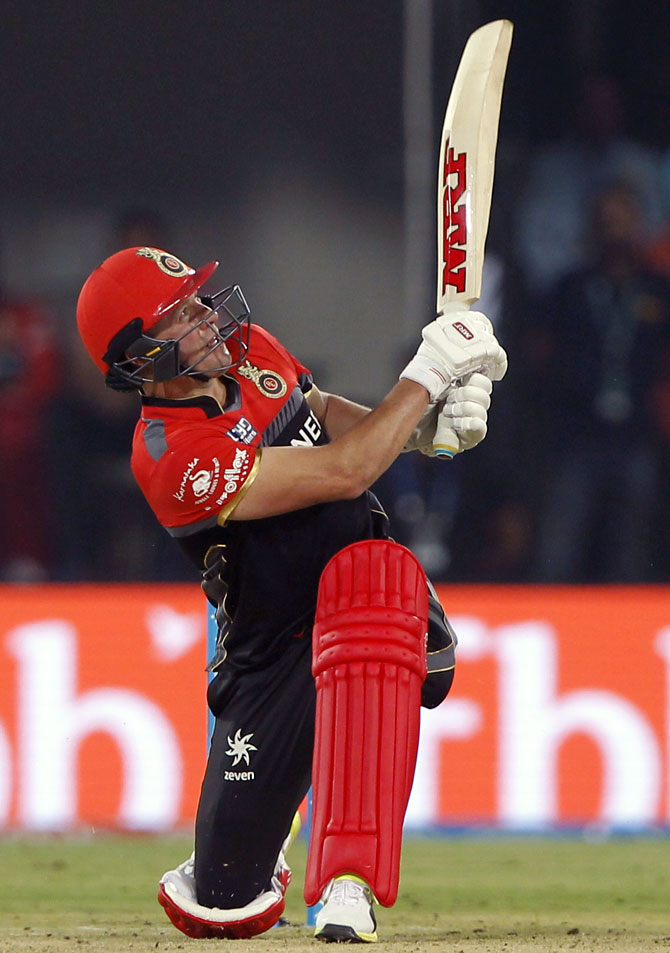IPL: Brilliant De Villiers shines for RCB on return from injury