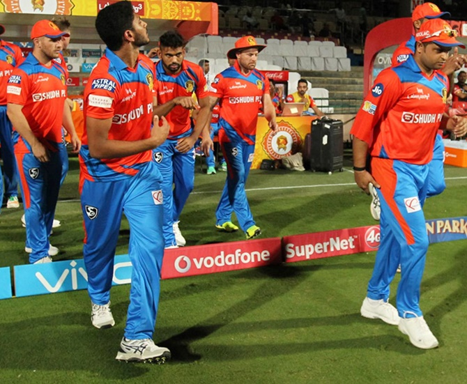 Will Gujarat Lions' skipper Raina get fit vs Mumbai Indians