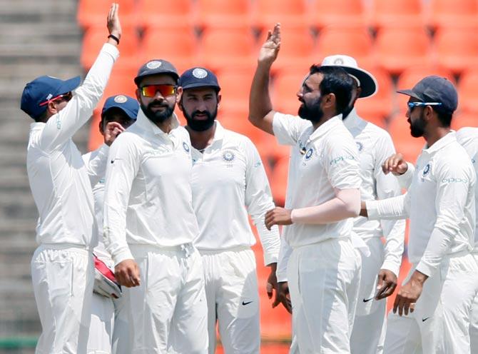 Tillakratne questions Lankan batsmen's shot selection