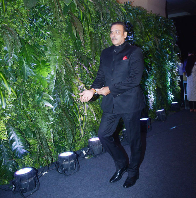 Ravi Shastri looks sharp as arrives at the reception