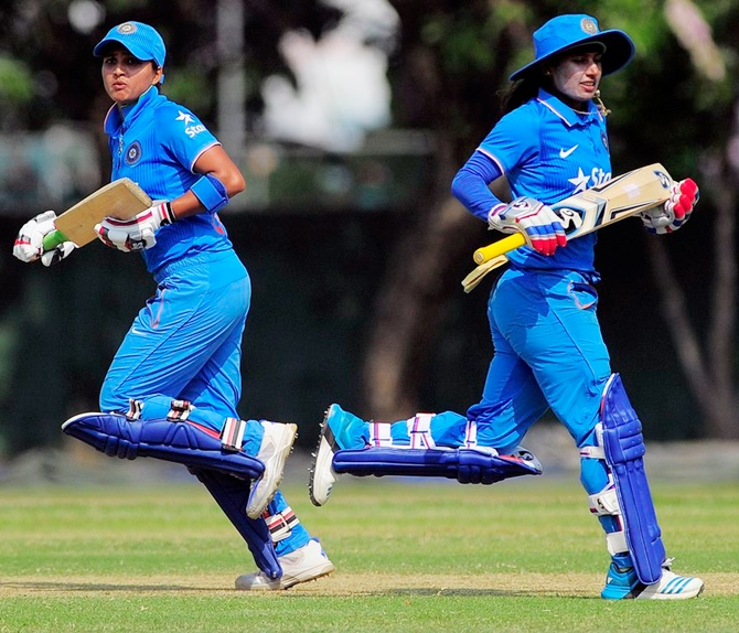 Harmanpreet 'manipulative, undeserving captain': Mithali's manager
