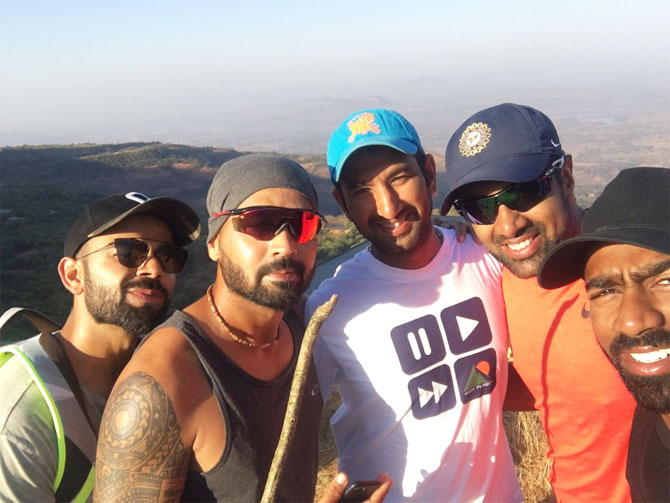 India captain Virat Kohli, Murali Vijay, Cheteshwar Pujara, Ravichandran Ashwin and Abhinav Mukund pose for a selfie
