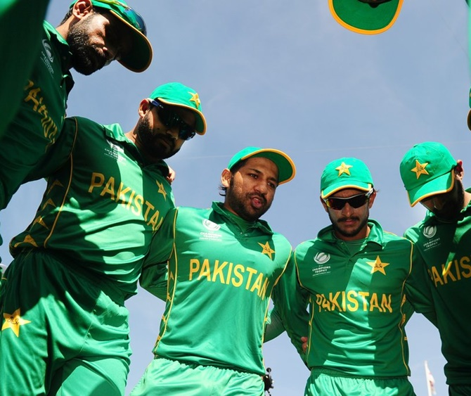 Pakistan Captain Sarfraz Ahmed with his team-mates. Photograph: ICC/Twitter