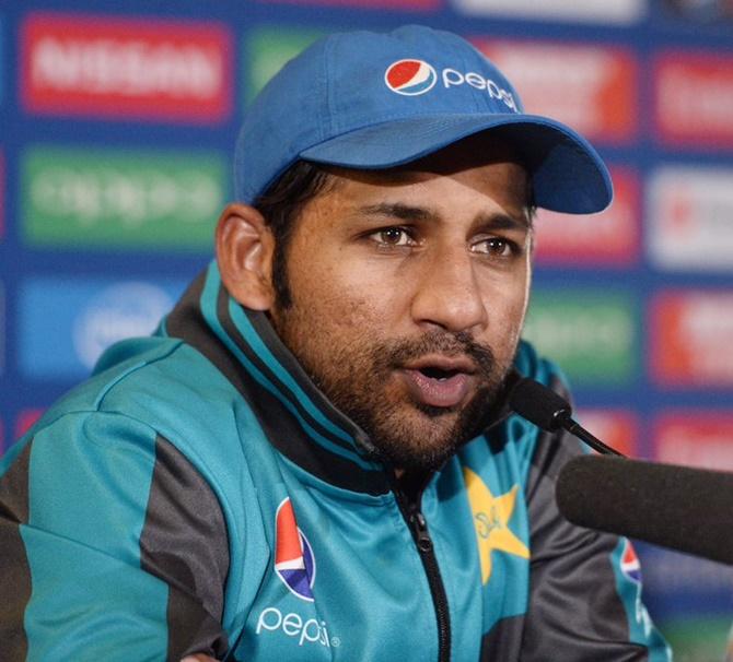 Pakistan captain Sarfraz apologises for 'Abey Kaale' taunt