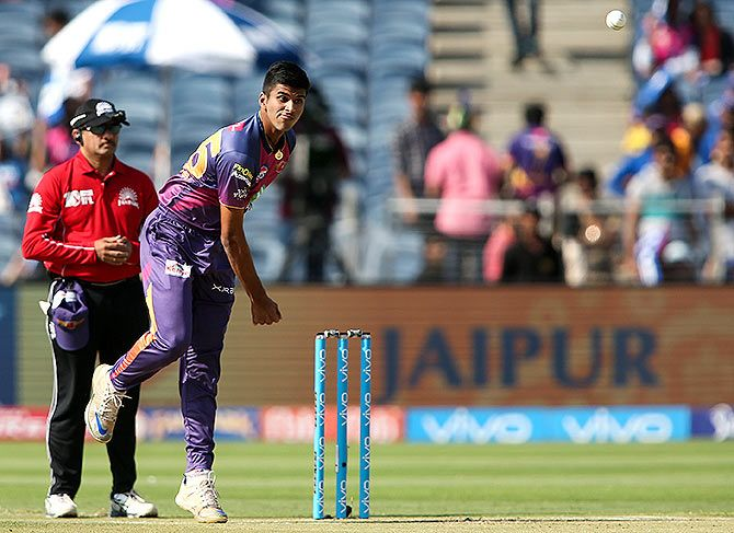 Washington Sundar had the best bowling figures in an IPL final -- 3 wickets for 16 runs. Photograph: Shaun Roy/Sportzpics, IPL
