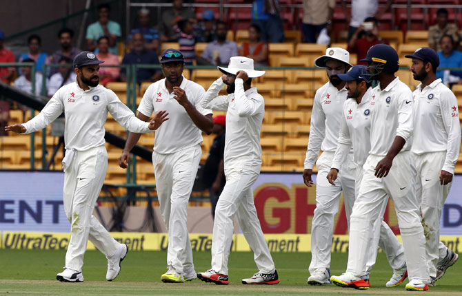 India keep Vijay but Pandya out for last two tests vs Australia