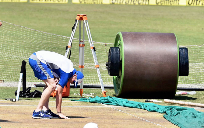 Smith, Kohli have contrarian views on Ranchi pitch