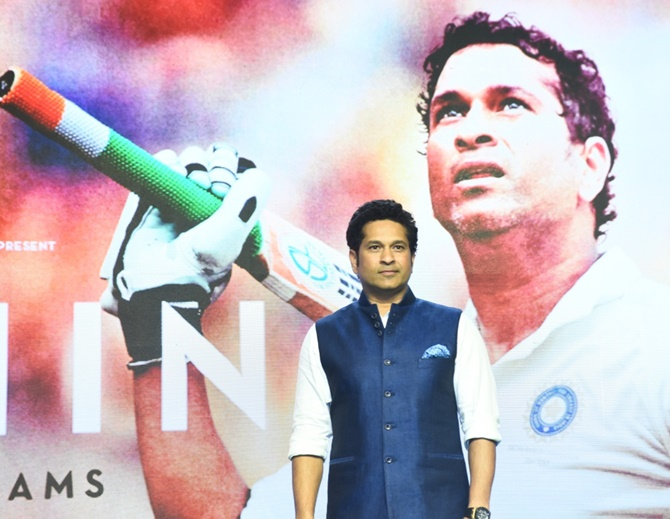 Find out who started 'Sachin-Sachin' chant
