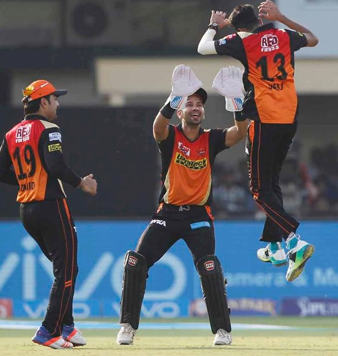 Warner doffs his hat to bowling talent in India