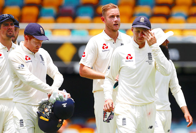 Strauss slams 'naive' England cricketers after head-butting row