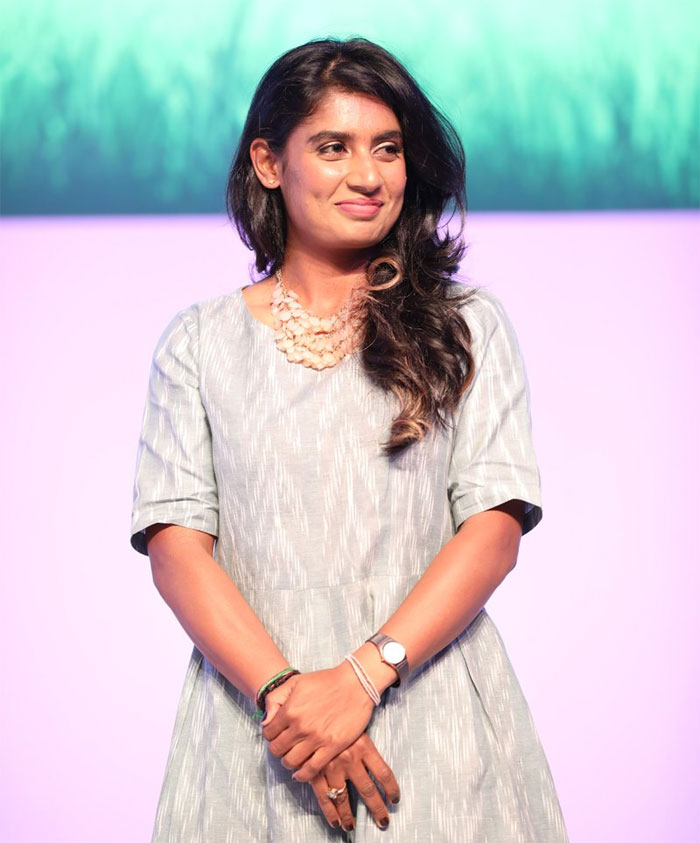 Mithali Raj gives befitting reply to Twitter troll!