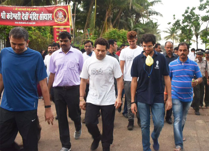 Sachin Tendulkar and Aaditya Thackeray set off on their clean-up drive