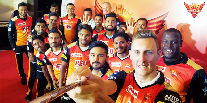 The Sunrisers Hyderabad team along with Tom Moody and VVS Laxman pose for a selfie