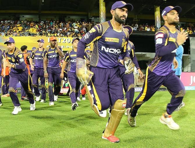 Karthik faces big test as KKR takes on Gambhir-led DD