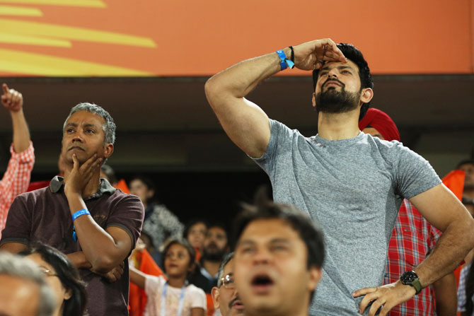 Anxious fans during the match between the Sunrisers Hyderabad and the Kings XI Punjab