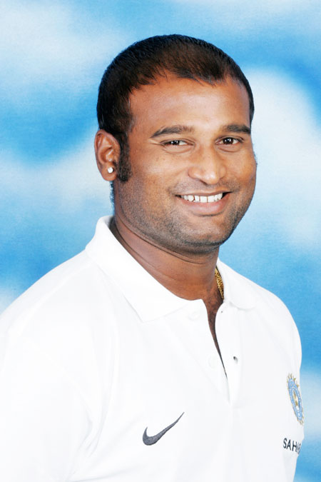 Rediff Cricket - Indian cricket - Backed by Harmanpreet, Powar re-applies for women's coach job