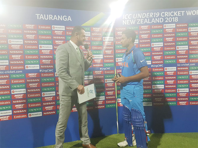 Manjot Kalra with his Player of the Match trophy
