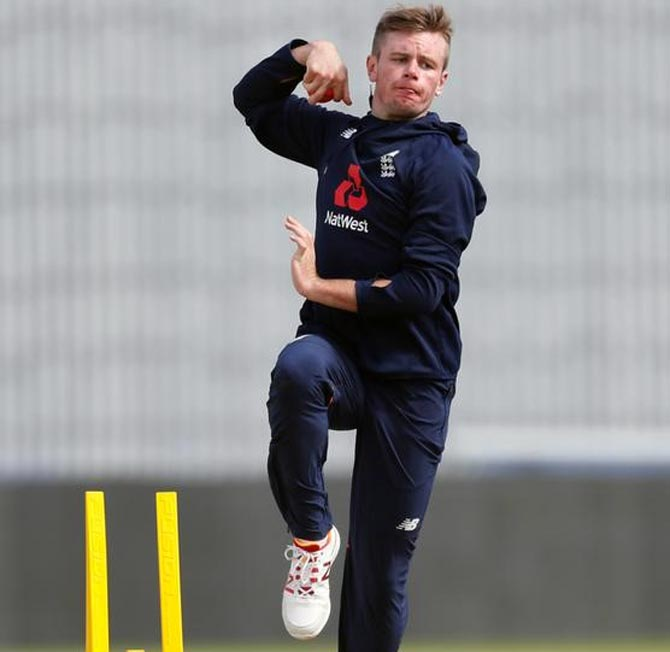 Ashes: Spinner Crane to debut for England, Woakes ruled out