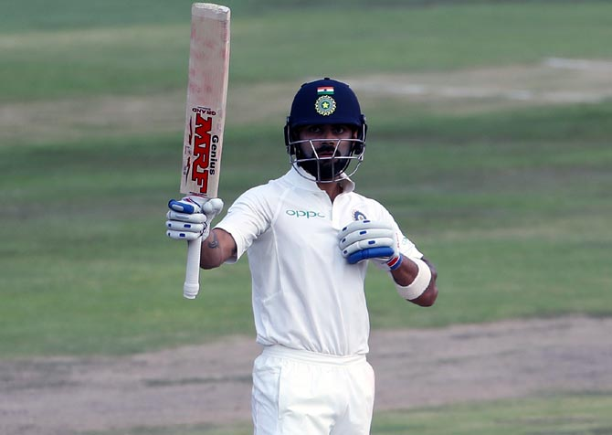 PHOTOS: Kohli wages lone battle for India on Day 2