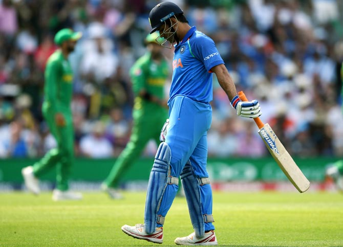 Rediff Sports - Cricket, Indian hockey, Tennis, Football, Chess, Golf - Why Dhoni's World Cup place is in doubt
