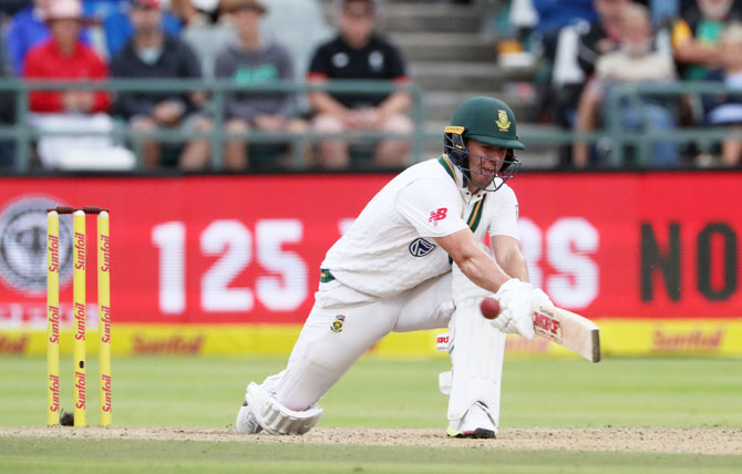 South Africa's AB de Villiers bats on Day 3