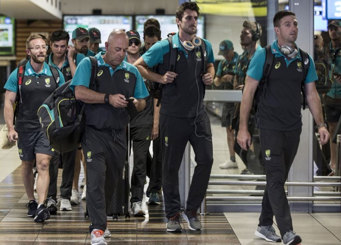 Australia coach Darren Lehmann Lehmann is free to serve out his contract until after the Ashes tour of England next year