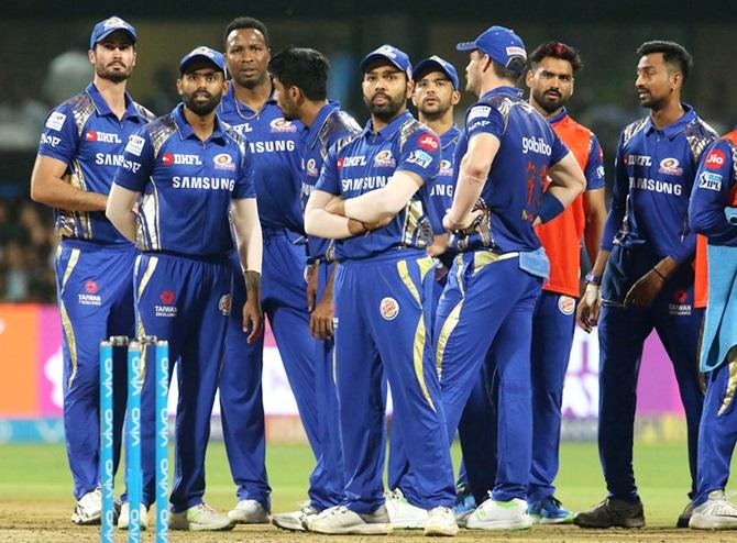 Bond defends Rohit batting at No. 4, says Mumbai can still make it