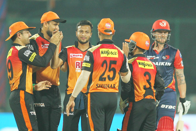Sunrisers Hyderabad players celebrate after the fall of Prithvi Shaw