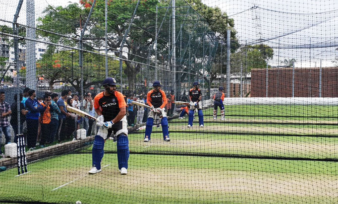 Rediff Cricket - Indian cricket - PHOTOS: The heat is on as India players start training in Gabba!