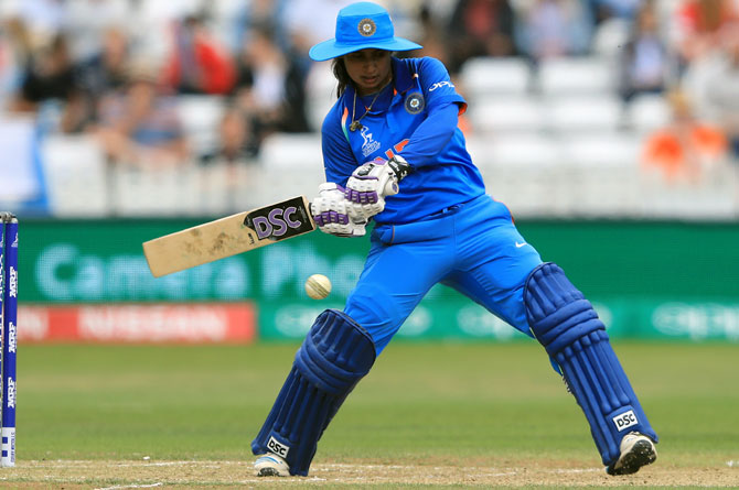 Mithali played for personal milestones; threw tantrums: Powar tells BCCI