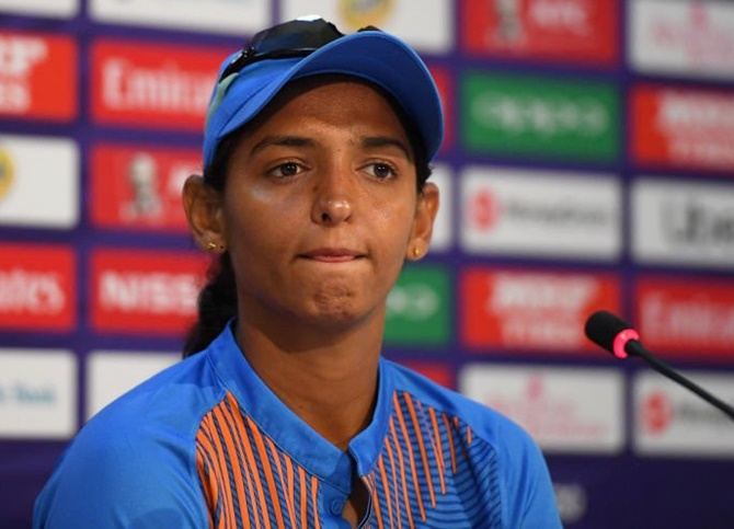 Rediff Sports - Cricket, Indian hockey, Tennis, Football, Chess, Golf - Cricket Buzz: Harmanpreet ruled out of England series