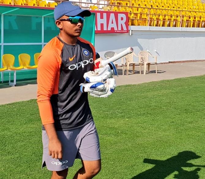 When Virat Kohli tried to speak in Marathi    - Rediff Cricket