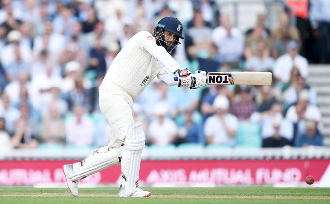 Moeen Ali did well to survive a testing spell by Mohammed Shami