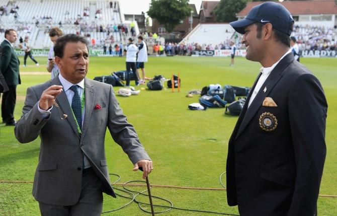 Sunil Gavaskar speaks with Mahendra Singh Dhoni