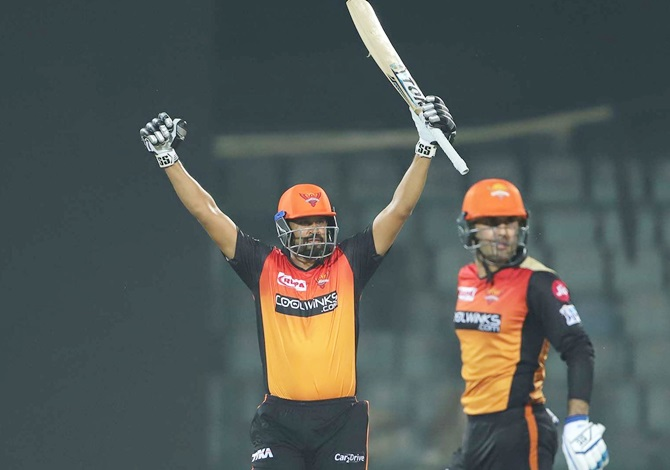 Yusuf Pathan and Mohammad Nabi