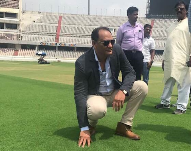 Laxman inaugurates HAC stadium's stand in Azhar's honour