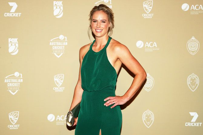 Ellyse Perry came solo for the 2019 Australian Cricket Awards