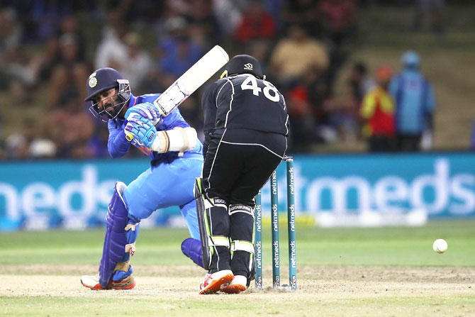 Rediff Cricket - Indian cricket - Karthik on 3rd T20 loss: 'I backed myself to hit a six'