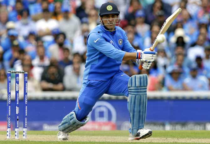 Selectors face questions over life after Dhoni